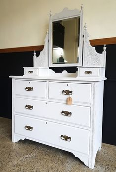 Distressed Dress, Refurbished Furniture, Dressing Table, Don't Forget, Mirrors, Drawers, Shabby Chic, Smooth, Facebook