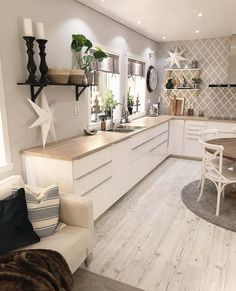 elegant white kitchen design ideas for modern home 00007 Shabby Home, Kitchen Decor, Kitchen Inspirations, Home Decor Kitchen, White Kitchen Design, Home, Interior, Kitchen Design, Home Decor