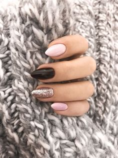 68 Trendy Nail Art Designs to Inspire Your Winter Mood- 68 Trendy Nail Art Designs to Inspire Your Winter Mood winter nails; red and gold nail art designs. Red And Gold Nails, Gold Nail Art, Red Gold, Pink Black Nails, Black Glitter, Classy Nail Designs, New Nail Designs, Winter Nail Designs, Almond Shape Nails