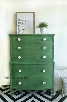 A gorgeous green dresser makeover using Tavern Green milk paint from The Old Fashioned Milk Paint Company. Beautiful furniture makeovers with lots of tips and tricks! Furniture Fix, Furniture Showroom, Cheap Furniture, Furniture Projects, Furniture Makeover, Urban Furniture, Street Furniture, Kitchen Furniture, Furniture Buyers