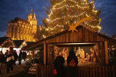 Pin for Later: Tour du Monde des Plus Belles Décorations de Noël  Marché de Noël de Erfurt, Allemagne.