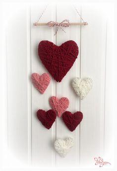 valentine decorations 598908450433091051 - Valentin napi fonal szívek Source by garderielimeray Diy Crafts Hacks, Diy Home Crafts, Yarn Crafts, Crafts For Kids, Creative Crafts, Diy Valentine's Day Decorations, Valentines Day Decorations, Decor Diy, Valentine Wreath