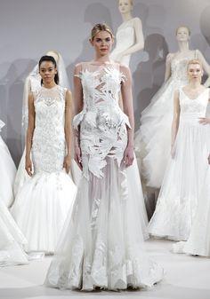 Pin for Later: 75 Robes de Mariées Qui Seront Partout Cette Saison Tony Ward Bridal Printemps/Été 2016