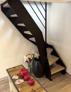 Escalier bois métal de type Loft avec doubles limons latéraux acier