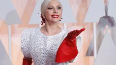 Lady Gaga to sing national anthem at Super Bowl