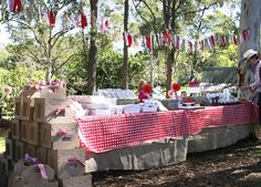 What an incredible picnic table!