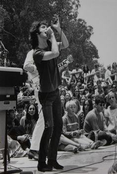 Jim Morrison live, 1968.