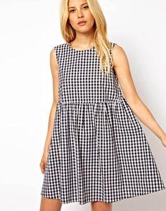 Imagen 1 de Vestido amplio con estampado a cuadros de ASOS
