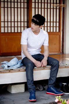 [PICS] 140617 MBC Triangle Gallery: Episode 13