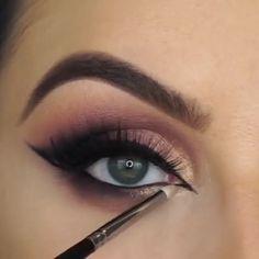 Eyeliner Dots, Dramatic Eyeliner, Doll Eye Makeup, Beauty Make-up, Make Up Videos, Tips Belleza, Eye Make Up, Makeup Tools, Cool Eyes