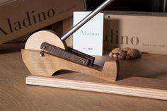 Aladino - Spring Nut Cracker - Ebanisteria Meccanica
