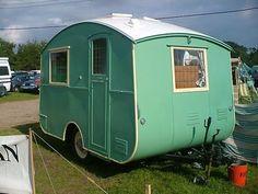 Vintage,pretty & shabby trailer