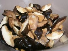 Hovädzia roštenka na hríboch (fotorecept) - recept   Varecha.sk Stuffed Mushrooms, Pork, Meat, Vegetables, Stuff Mushrooms, Kale Stir Fry, Vegetable Recipes, Pork Chops, Veggies