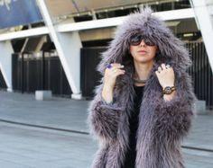 Capa llama imitación negro / negro abrigo de piel / por Lookhunter