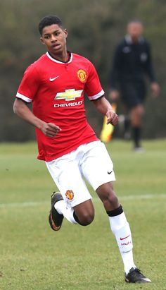 Marcus Rashford hit two first-half goals to give the impressive Reds a crucial play-off win at Spurs. Football Soccer, Football Players, Manchester United Players, Biological Father, Marcus Rashford, Live Matches, Match Highlights, Man United, The Unit