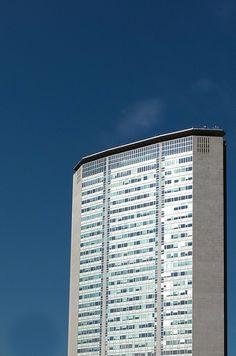 Pirelli Tower, Milan by Gio Ponti (1960)