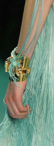 Aqua Color, Teal Green, Shades Of Green, Green Colors, Azul Tiffany, Tiffany Blue, Forever Green, Green Life, Green Fashion