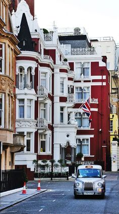 Balconies, London, England photo via pilot. Amazing picture for London. Oh The Places You'll Go, Places To Travel, Places To Visit, London England, Oxford England, Cornwall England, Yorkshire England, Yorkshire Dales, Bósnia E Herzegovina