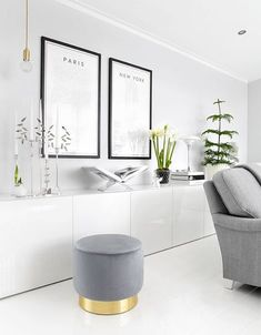 minimal living room decor, chic apartment decor, loft decor - deco - Home Decor Chic Apartment Decor, Apartment Interior Design, Living Room Interior, Interior Design Kitchen, Apartment Living, Living Room Decor, White Apartment, Simple Interior, Living Room White