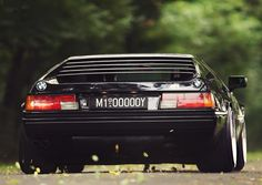 BMW M1. Stance, poise and a rear end to beat the best.