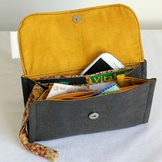 Portefeuille, porte-monnaie et porte-cartes en simili cuir et liberty.