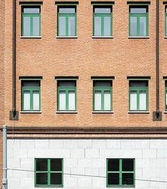 """Palazzo per uffici """"Casa Aurora"""", Aldo Rossi. © Angelo Morelli Aldo Rossi, Angelo, Facade, Architecture, School, Design, Arquitetura, Facades, Schools"""