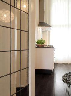 glasdeur glas in lood naar keuken