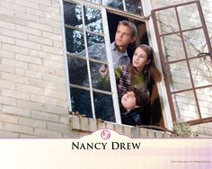 Watch Streaming HD Nancy Drew, starring Emma Roberts, Tate Donovan, Max Thieriot, Craig Gellis. Teen detective Nancy Drew accompanies her father on a business trip to Los Angeles, where she happens upon clues to a murder mystery involving a movie star. #Comedy #Crime #Family #Mystery #Thriller http://play.theatrr.com/play.php?movie=0479500