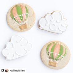 Hot Air Balloon Cookies by @cookiesbykatewi