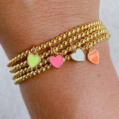 Bead Jewellery, Beaded Jewelry, Jewlery, Dainty Bracelets, Beaded Bracelets, Cute Charms, Jewelry Making Tutorials, Steel Jewelry, Heart Bracelet