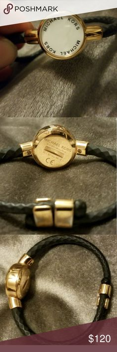 Michael Kors This bracelet can be use with app(Michael Kors) Like a fit bit. Michael Kors Jewelry Bracelets