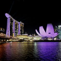 https://www.touristtube.com/Things-to-do-in-Singapore
