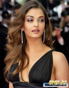 What do you think about stunning face of Aishwarya Rai? Some people seriously believe she belongs to SD's family. Can't agree with it! What is your  judgment for her? Romantic? Theatrical Romantic?