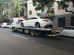 #Towing a #Prestige #Motor #Vehicle from Sandersons Mercedes in #Rushcutters #Bay to Perfect Autobody Repairs in #Alexandria. For your next #Prestige #motor #vehicle call #Eastern #Suburbs #Towing #Sydney on 0419466591. Check out our website @ www.easternsuburbstowingsydney.com.au