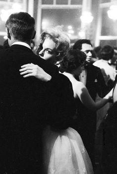 Kim Novak and Cary Grant in Les Ambassadeurs, Cannes, 1959.