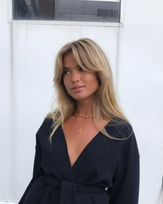 Cute Hairstyles with Bangs to Try 2019 - Haarfarben Blonde Hair Looks, Brown Blonde Hair, Blonde Brunette, Blonde Hair Bangs, Pin Back Bangs, Side Bangs With Long Hair, Blonde Hair With Fringe, Beige Blonde, Golden Blonde