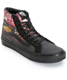 This classic high top style gets a feminine update with the slim design perfect for a woman's foot, while the ombre fade floral print finished with Vans logo detailing keeps your style looking fresh.