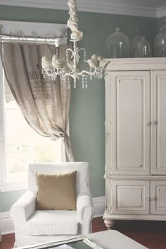 Adorable rustic decor in a neutral pallete.