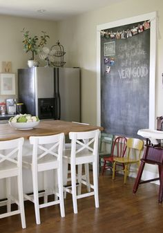 How to make a giant magnetic chalkboard- comes in handy in the kitchen for notes or recipes.
