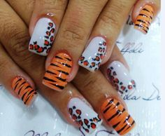 Tiger and leopard nail art Funky Nails, Love Nails, Pretty Nails, Leopard Nail Art, Leopard Print Nails, Tiger Nails, The Art Of Nails, Diamond Hair, Beauty Brushes