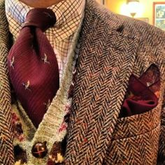 This is one pic my internet man sent me. I do like a man who wears tweed. : This is one pic my internet man sent me. I do like a man who wears tweed. Gentleman Mode, Gentleman Style, Vintage Gentleman, Style Outfits, Country Outfits, Mode Man, Tweed Run, Harris Tweed, Well Dressed Men