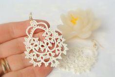 Bridal tatted Elfenbein Spitze Ohrringe  Made in von Ilfilochiaro