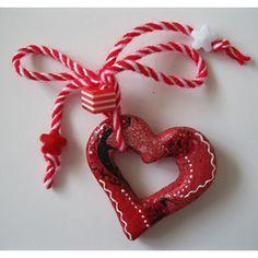 Мартеница сърце Models, Christmas Ornaments, Holiday Decor, Handmade, Home Decor, Art, Templates, Art Background, Hand Made