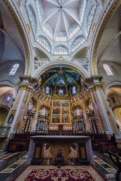 Catedral de Valencia, Spain- One of the most breath-taking cathedrals I've been in throughout my travels, and this one holds a very special meaning to me :) Religious Architecture, Beautiful Architecture, Beautiful Buildings, Art And Architecture, Beautiful Places, Cathedral Basilica, Cathedral Church, The Places Youll Go, Places To See