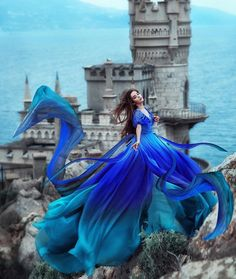Ensure that you enjoy a amazing wedding ceremony. Pretty Prom Dresses, Ball Dresses, Cute Dresses, Ball Gowns, Fantasy Photography, Girl Photography, Fashion Photography, Fairytale Gown, Fantasy Gowns