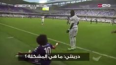 Royston Drenthe fouls Omar Abdulrahman: Whats your problem? Its football brother (Video)