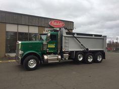 Peterbilt Dump Trucks, Peterbilt 389, Tow Truck, Lifted Trucks, Logging Equipment, Heavy Construction Equipment, Snow Plow, Cool Trucks, Tractors