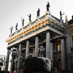 Teatro Juárez photo by Juan C. García