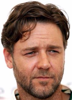 Russell Crowe - actor - New Zealand Russell Crowe Gladiator, Superman, Beard Game, What Makes A Man, Hollywood, Iconic Movies, Les Miserables, Best Actor, Famous People