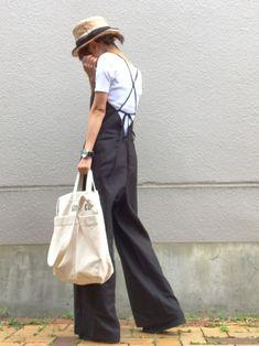 通勤コーデ。 後ろが可愛いオールインワン♡ UNIQLOのリブバレエネックT合わせで。 足元厚底t